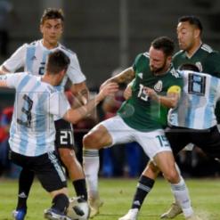 Argentina passa fácil pelo México no primeiro de dois amistosos