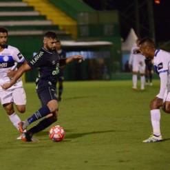 Chapecoense e Tubarão empatam na Arena Condá