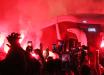 Com direito a Ruas de Fogo, Inter chega a Curitiba