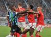 Conmebol anuncia punições para jogadores expulsos em Gre-Nal
