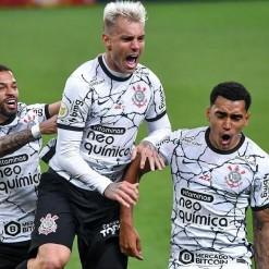 Corinthians vence o Palmeiras