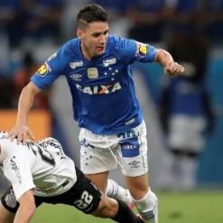Cruzeiro trava liberação de Tiago Neves para o Grêmio