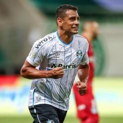 Diego Souza marca no fim e Grêmio empata com o Palmeiras