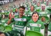 Futebol é retomado na Hungria com fãs de papelão e barulho fake da torcida