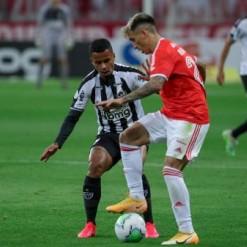 Galo encara o Inter no Beira-Rio, em duelo que completará 65 anos em julho