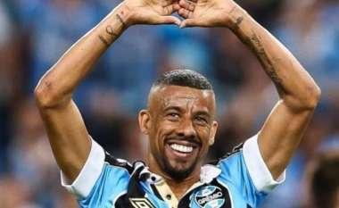 Foram mais de 100 jogos com a camisa do Grêmio