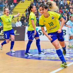 Melhor jogadora de futsal do mundo atua em Santa Catarina