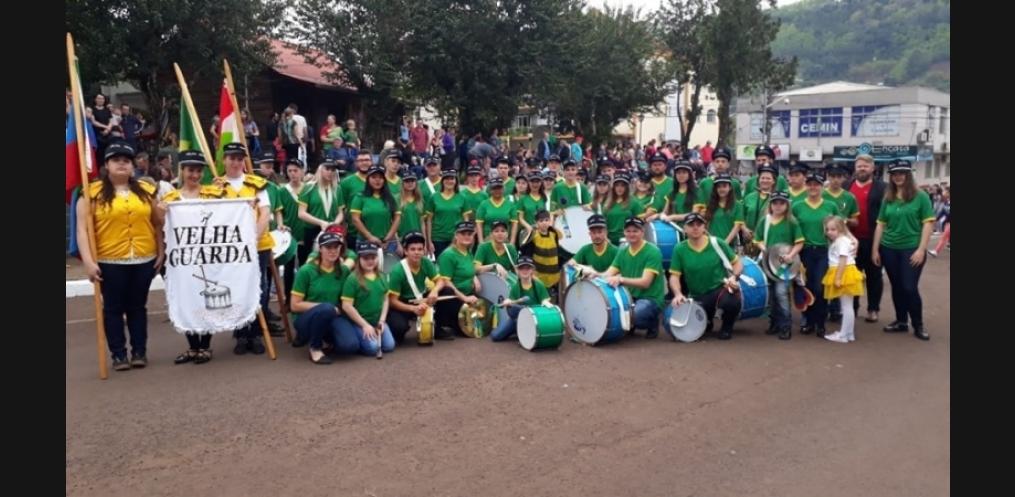 Tradicional fanfarra da Velha Guarda. Foto: Reprodução / Facebook
