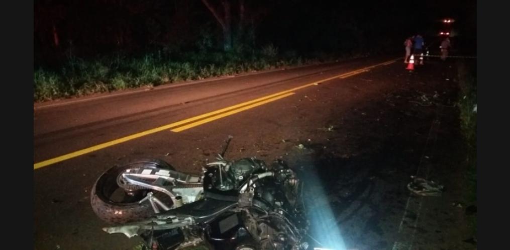 Motociclista morre em saída de pista em Riqueza (Foto: PM)