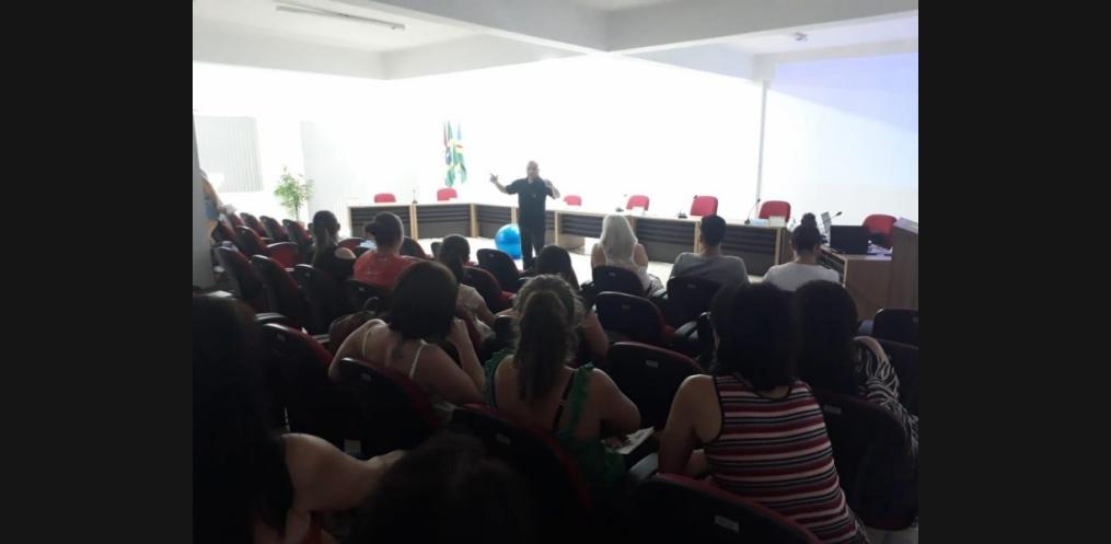 Policia Civil de Riqueza realiza palestra na semana pedagógica (Foto: Divulgação)