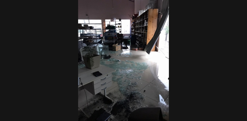 Temporal causa destruição em Mondaí