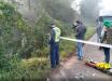 Após acidente entre dois veículos, carro cai de ribanceira