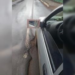 Carro com retrovisor improvisado é apreendido em Mondaí