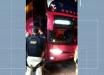 Criminosos atacam ônibus, efetuam disparos e assaltam passageiros