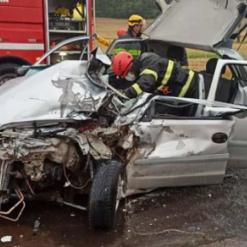 Grave acidente com três veículos deixa três feridos em Cunha Porã