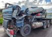 Grave acidente entre duas carretas deixa homem ferido