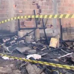 Homem morre carbonizado após casa ser destruída por incêndio