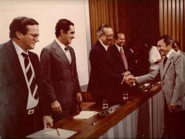 Na época do invento Adenor foi homenageado pelo governador de SC, Jorge Konder Bornhausen, e outras autoridades