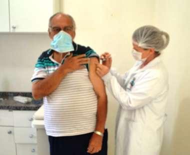 Primeiro vacinado em Mondaí foi o Doutor Alvaro Flores