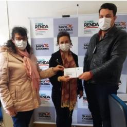 Mondaí recebe cartões do Auxílio Emergencial de Santa Catarina