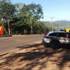 Motociclista fica ferido em colisão com automóvel