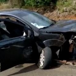 Motorista fica em estado grave ao ser projetada de veículo em acidente