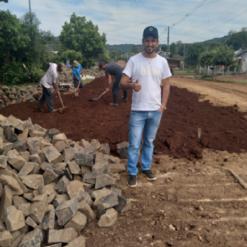 Obras de calçamento estão em andamento em Vicente Dutra
