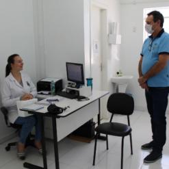 Prefeito acompanha trabalhos no Posto de Saúde e no Hospital de Mondaí
