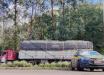 PRF flagra duas carretas com excesso de altura no Oeste