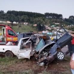 Três pessoas morrem em acidente em Ponte Serrada